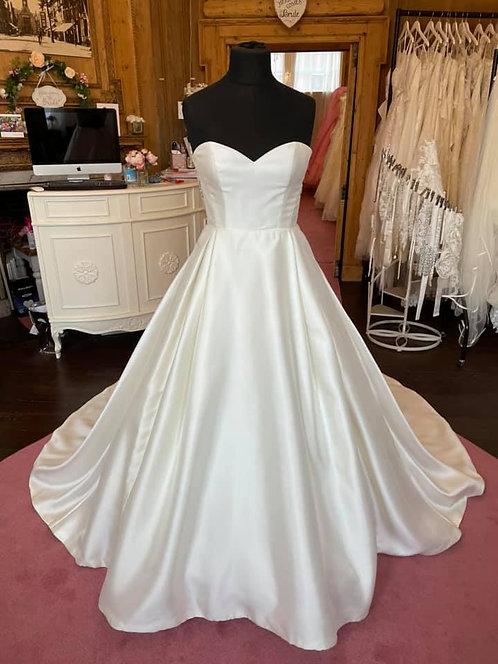 Sincerity'3997' Wedding Dress
