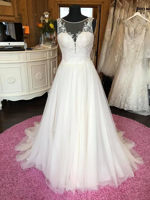 San Patrick La Sposa 'Borneo' Wedding Dress