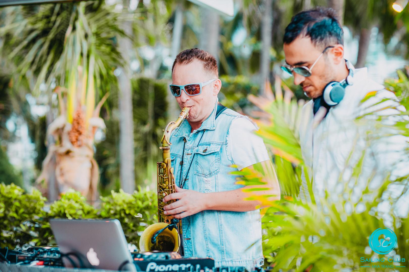 Saxophonist & DJ Riia