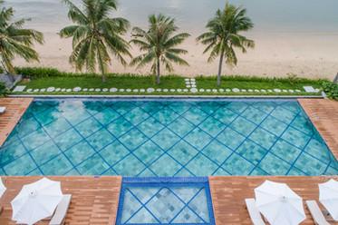 que-toi-village-beachfront-villas-pool-a