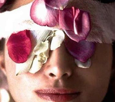 Why choose Glow for your next facial?
