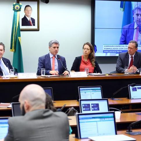 Decisão da Anvisa sobre cannabis medicinal é considerada restritiva por comissão