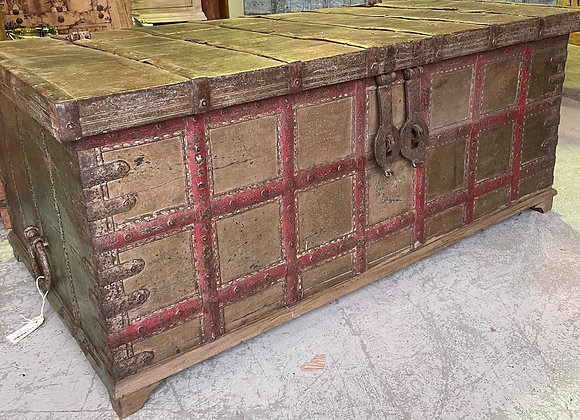 Beautiful vintage chest