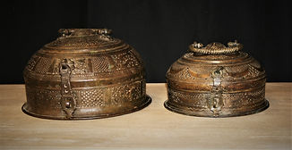 antique brass containers 22tn18, 22tn19