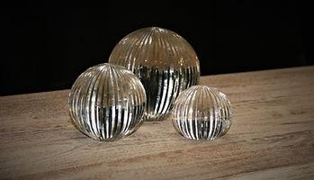 line design glass balls. 142214l