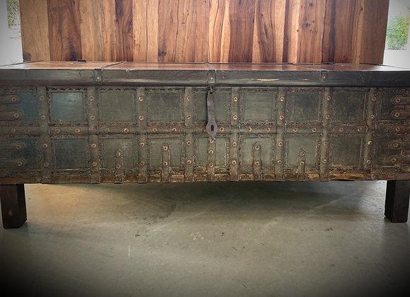 vintage blanket box coffee table