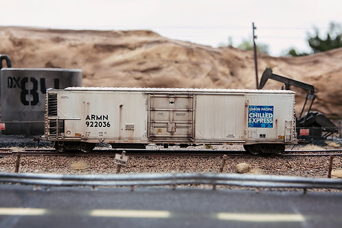 UP Chilled Express ARMN Reefer Ho Scale