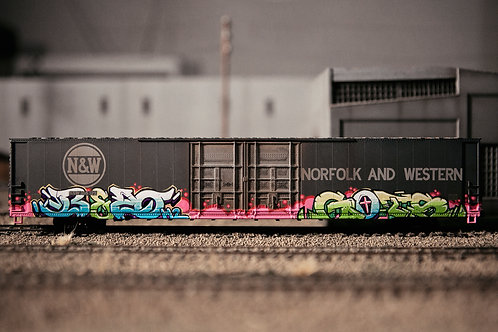 Bozo Gets 86' Boxcar Ho Scale