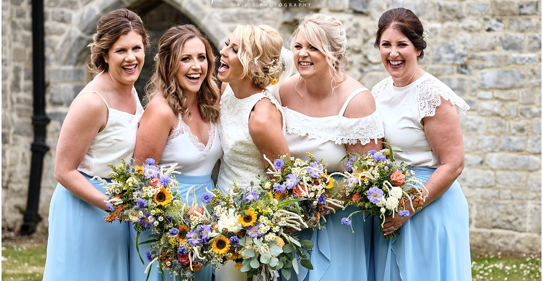 Cheerful summer wedding bouquets
