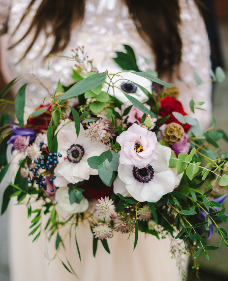 Stylish winter wedding flowers
