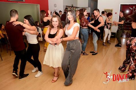 Salsa Party | DANCEmania Studio