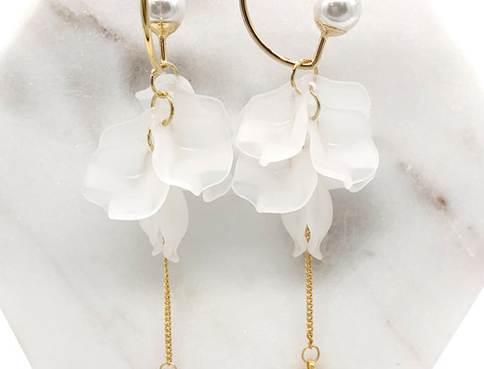 Pearl Gold Ruffle Drop Earrings with string heart