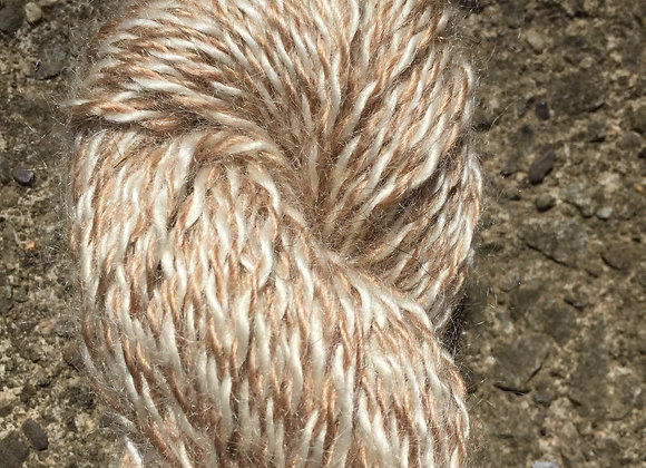Yarn [Natural Red Barber Pole - Approx. 200 yards - 100% Mohair] - Und