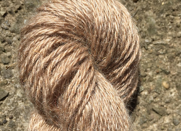 Yarn [Natural Red - Approx. 200 yards - 100% Mohair] - Und
