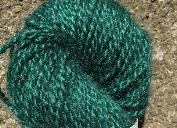 Yarn [Green - Approx. 200 yards - 100% Wool] - Und