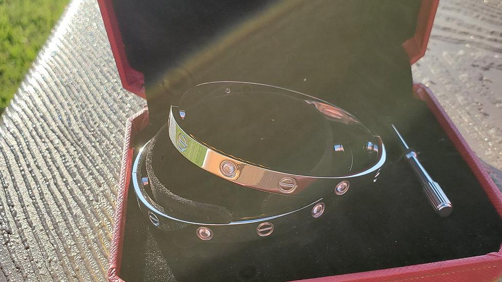 "Cartier Diamond ""Love bracelets"""