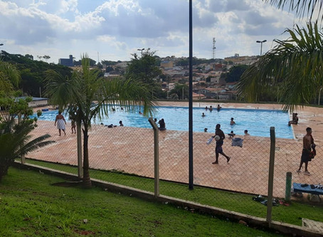 Carteirinha passará a dar acesso a todas as 13 piscinas públicas da cidade
