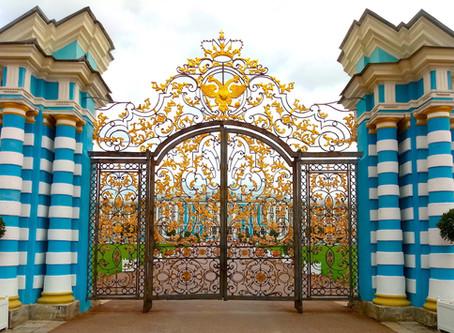 Реставраторы обновляют Золотые ворота