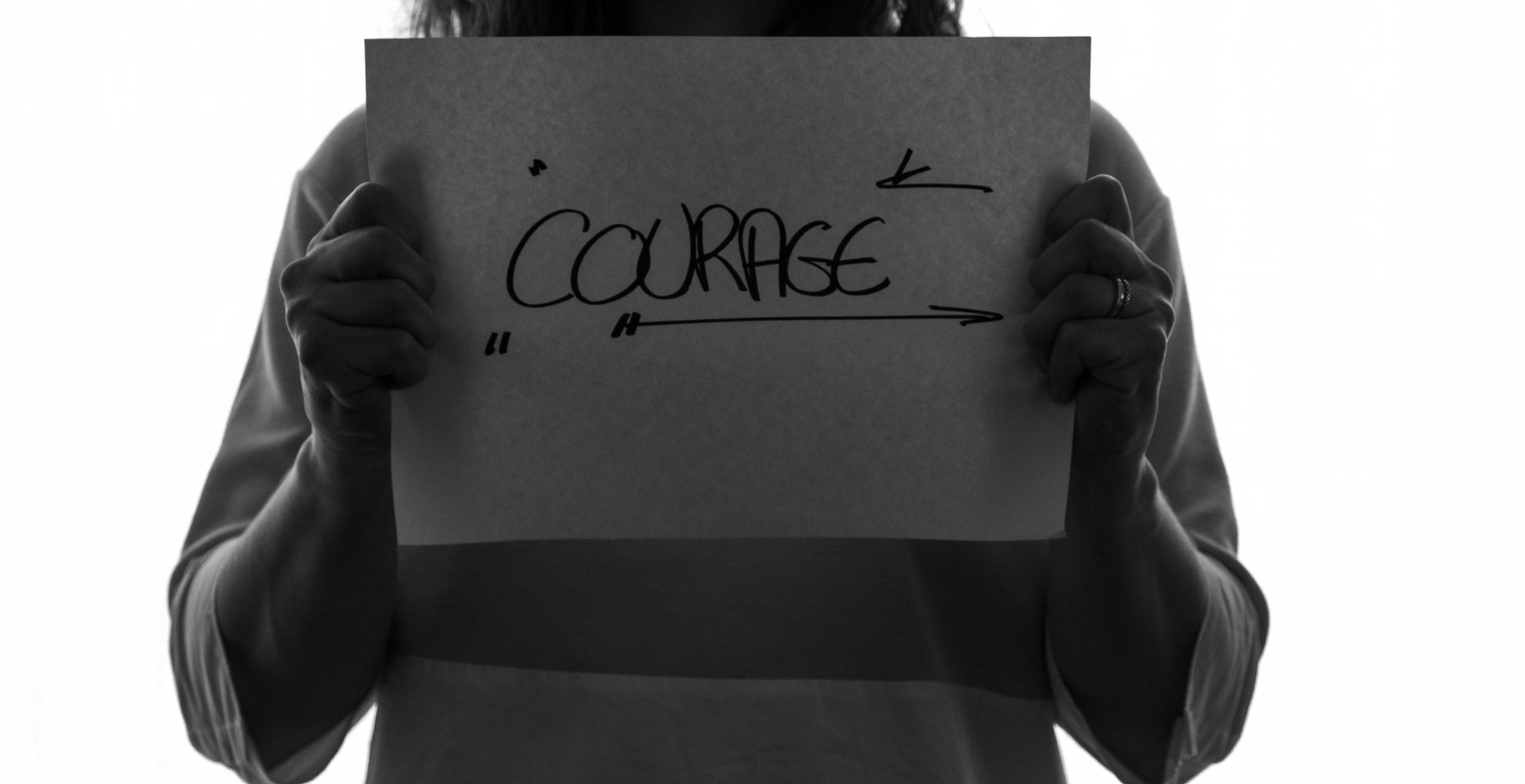 Courage à deux main