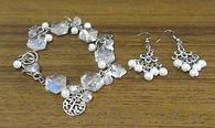 White South Seas Pearls & Crystals Brace