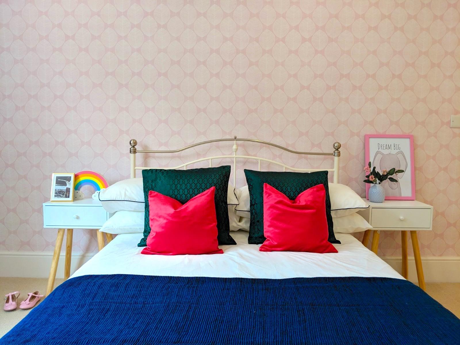 South Kensington, Girl's Bedroom