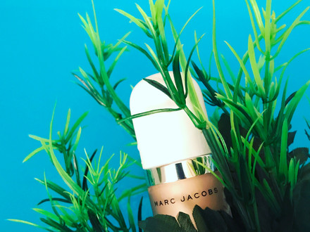 3 Reasons WhyYou Need the Marc Jacobs Beauty Dew Drops Coconut Gel Highlighter