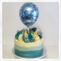 Short balloon cake