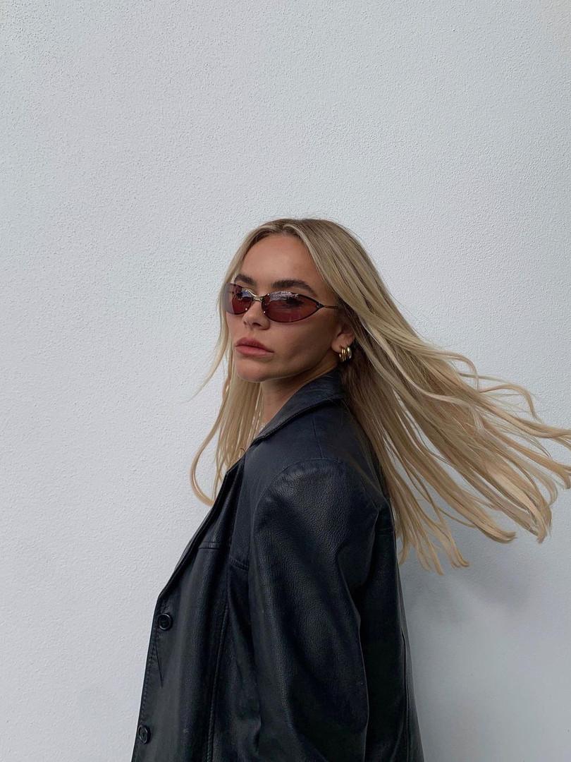 Jessica Roche wear DAKOTA