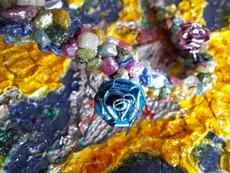 Metallic quilled rose