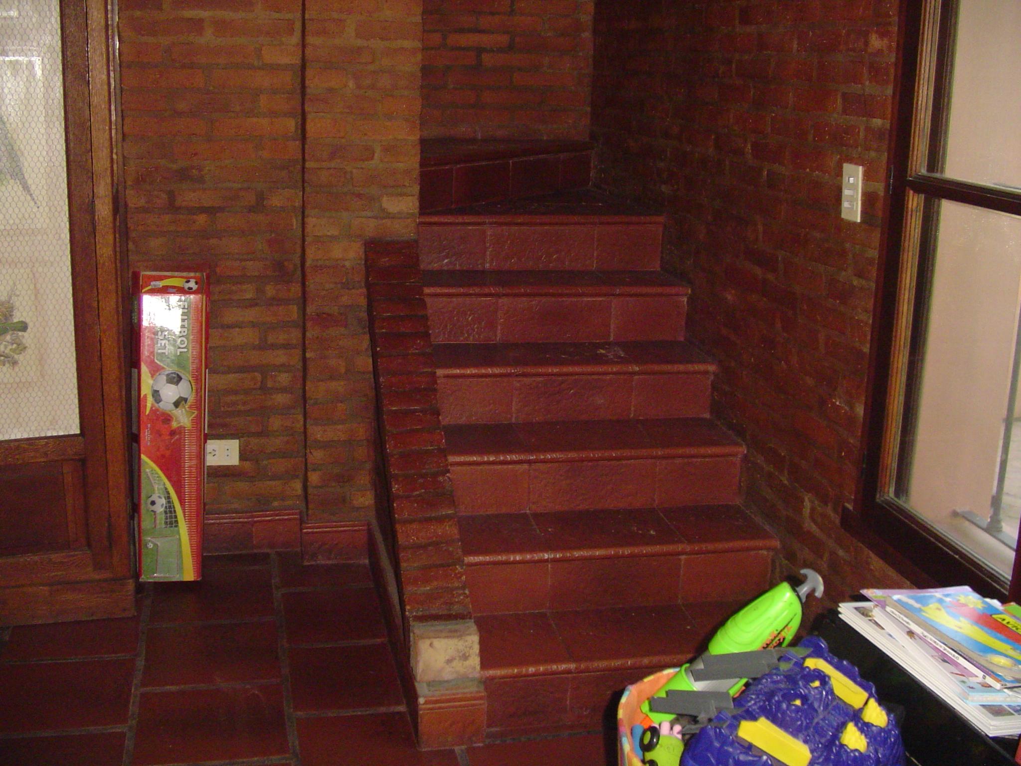 Escalera anterior