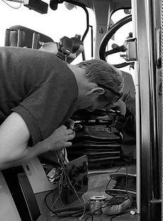 Repairing an ECU on Tractor