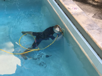 """<img src=""""leakdetection.gif"""" alt=""""In pool checking for pool leak"""""""