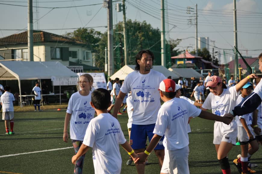 Young players make new friends at YCAC rugby clinic