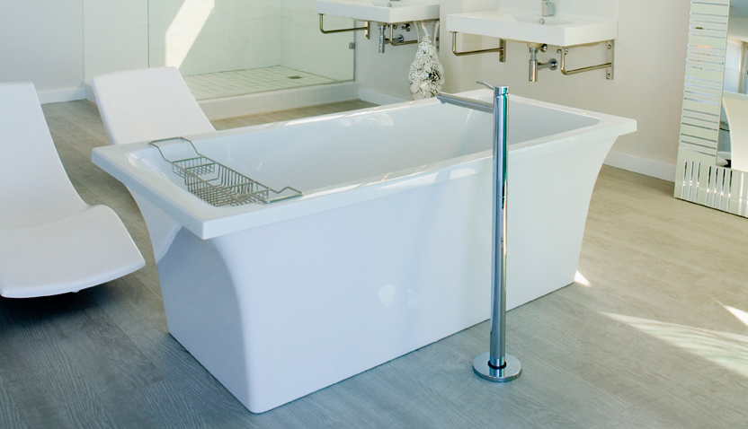 White Bathroom 2013-8-14-15:57:9