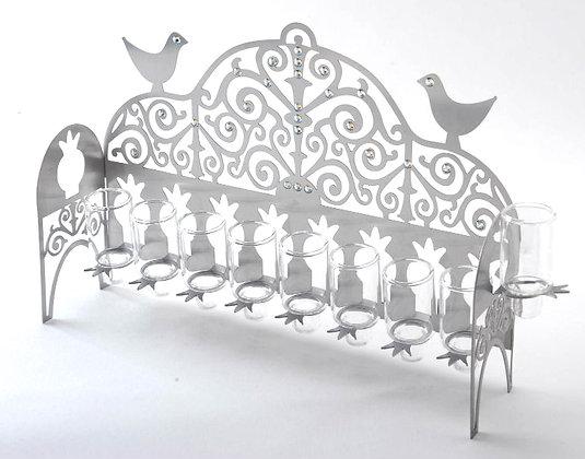 חנוכיה מגזרת ציפורים