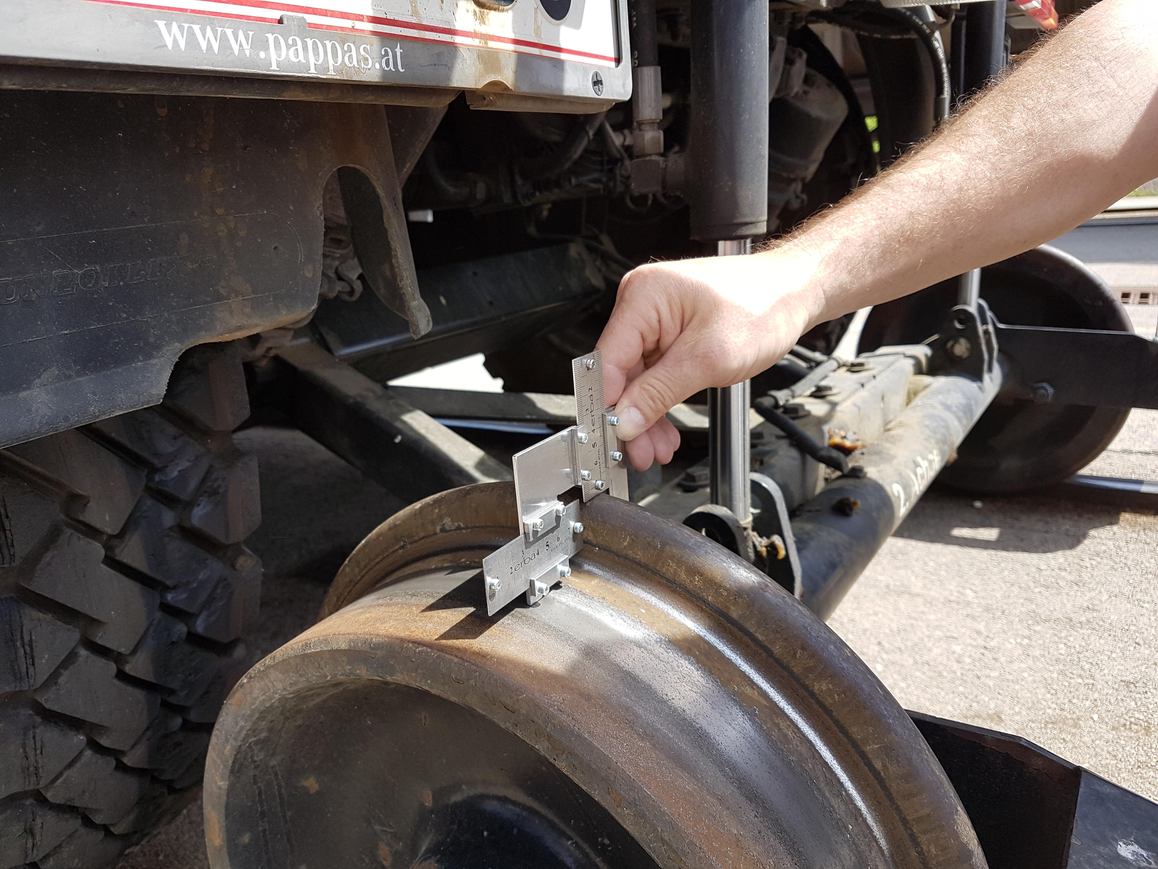 Profilprüfung  Schienenfahrwerk