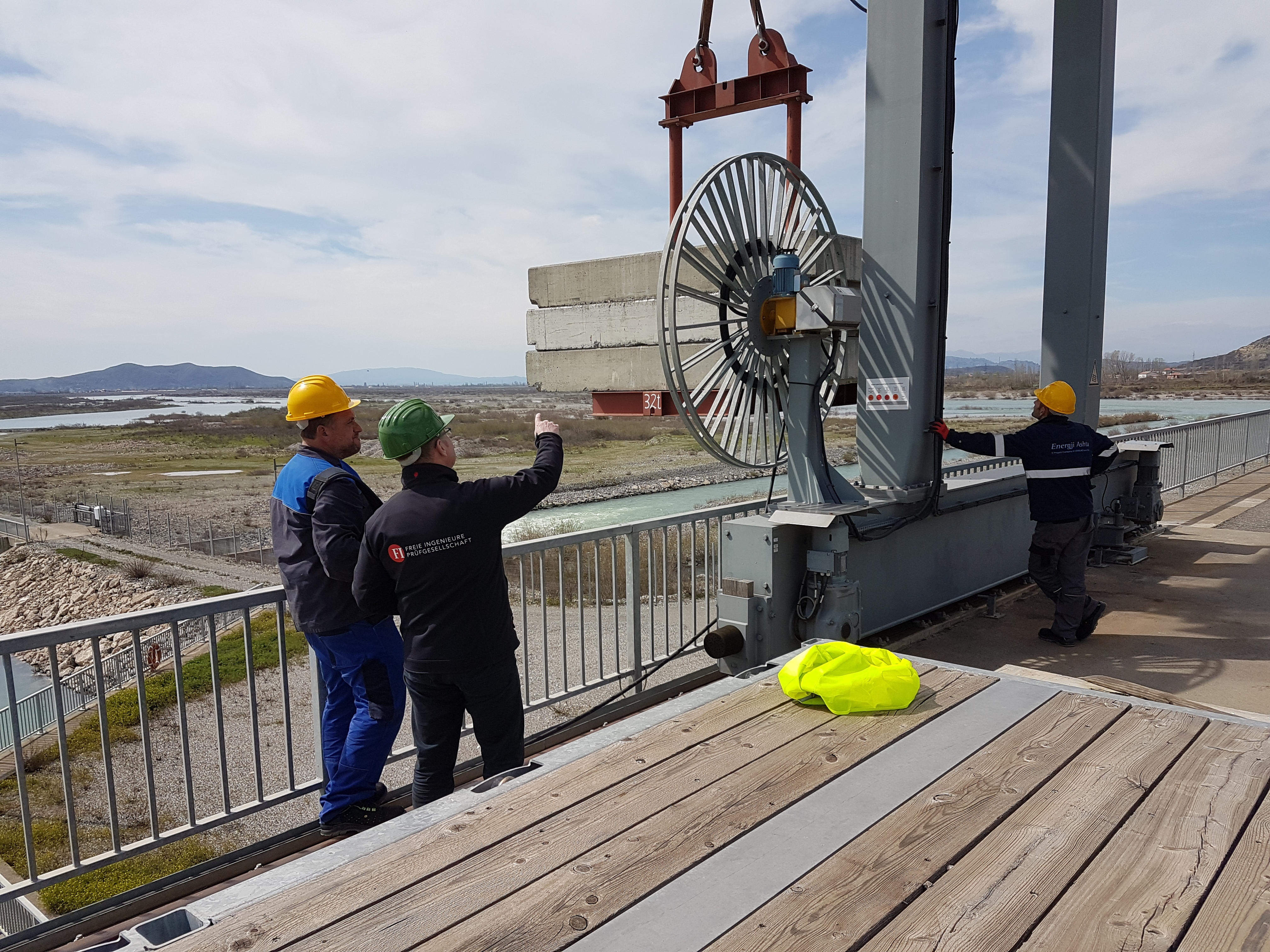 Kranprüfung Kraftwerk in Albanien