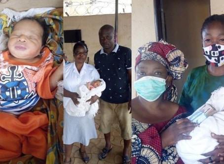 Un Nigérian a sauvé un bébé pendant que les gens autour de lui prenaient des photos !