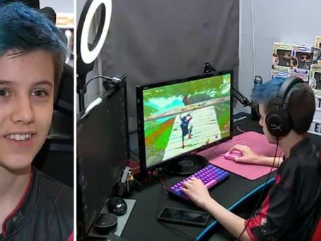 Ce garçon de 14 ans gagne 15 000 euros par mois pour... jouer à Fortnite !