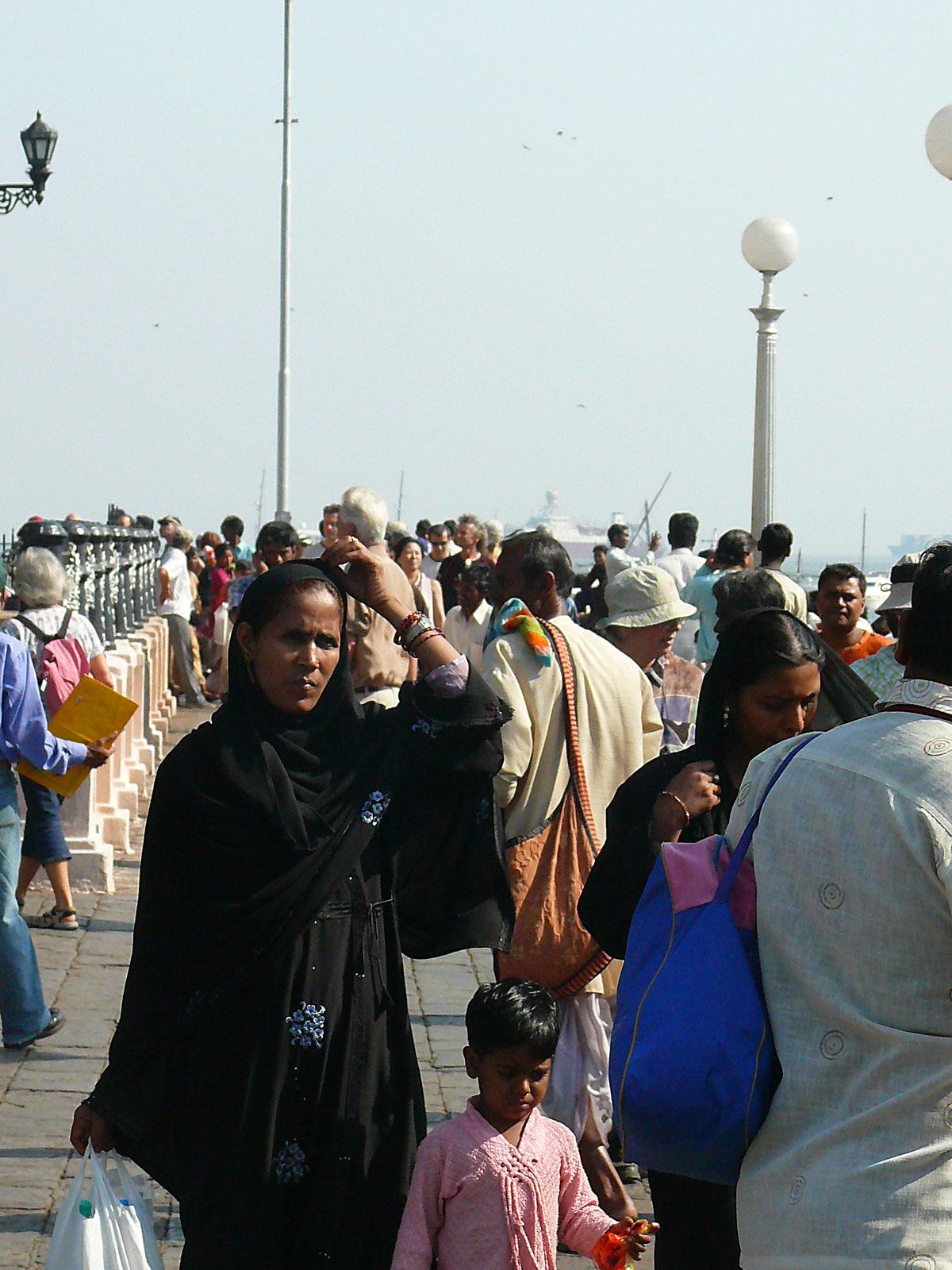INDIEN MUMBAI Menschen Wohnen FINEST-onTour P1030520.jpg
