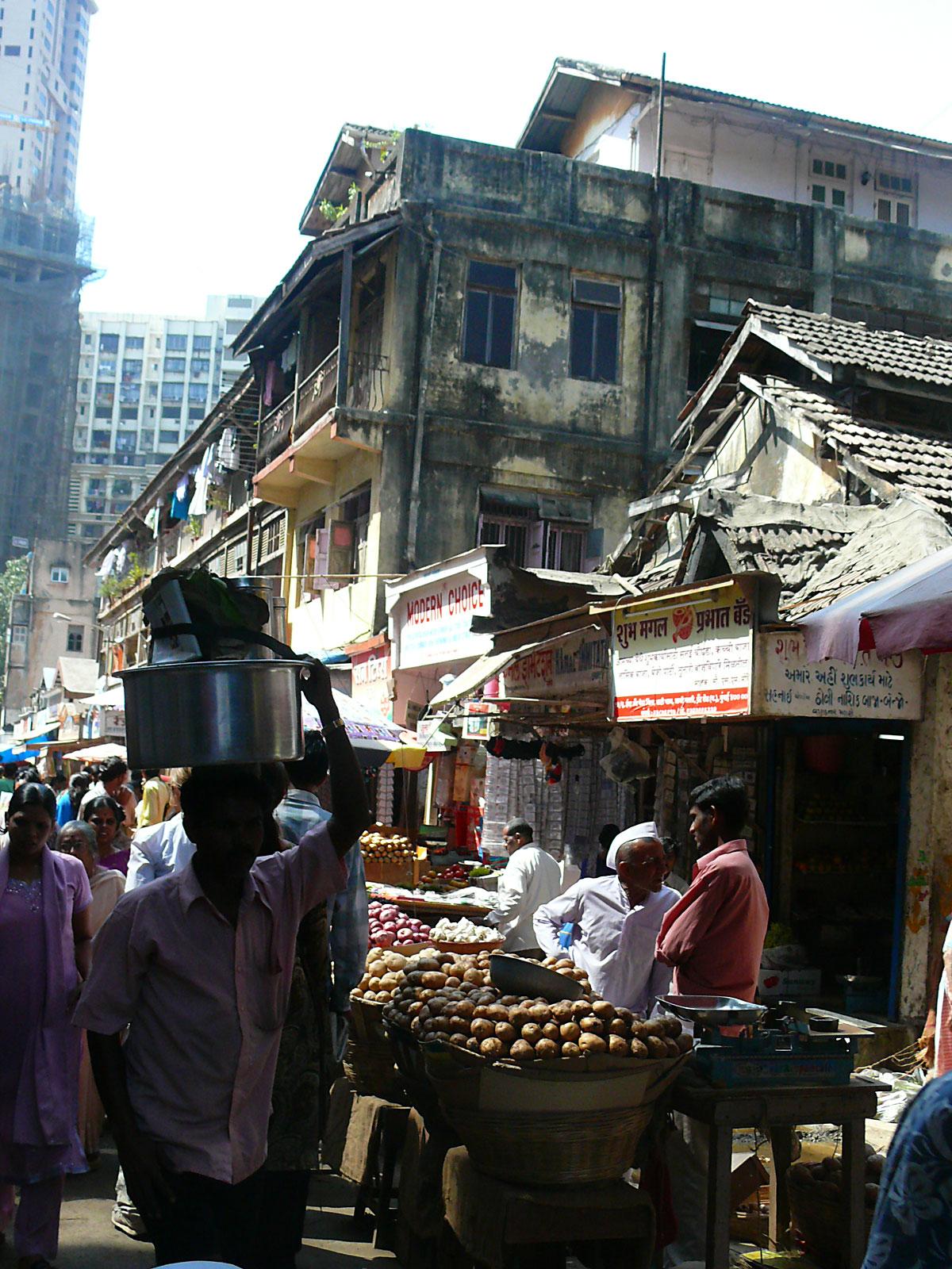INDIEN MUMBAI Menschen Wohnen FINEST-onTour P1030466.jpg