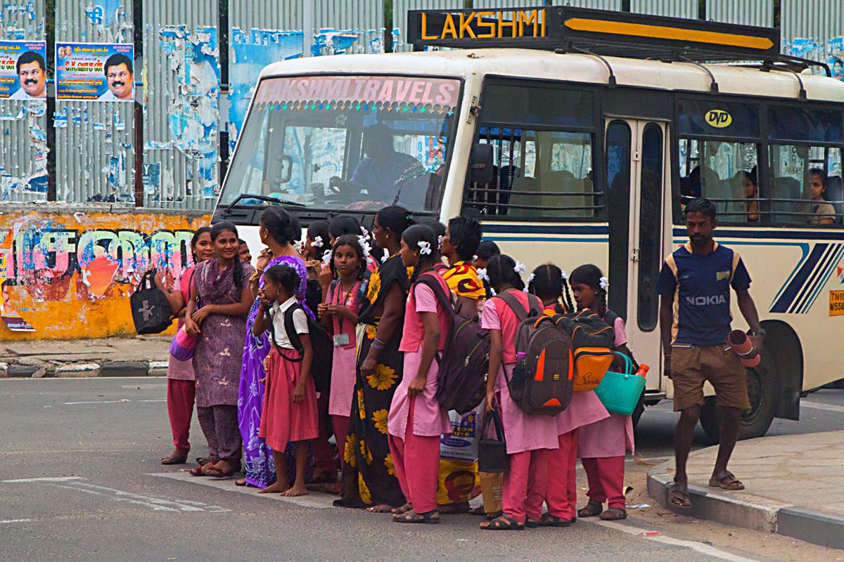 INDIEN Chennai Menschen Tempel FINEST-onTour 7263.jpg