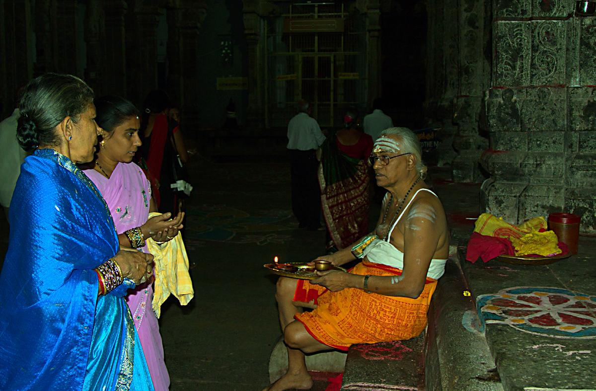 INDIEN Chennai Menschen Tempel FINEST-onTour 7488.jpg