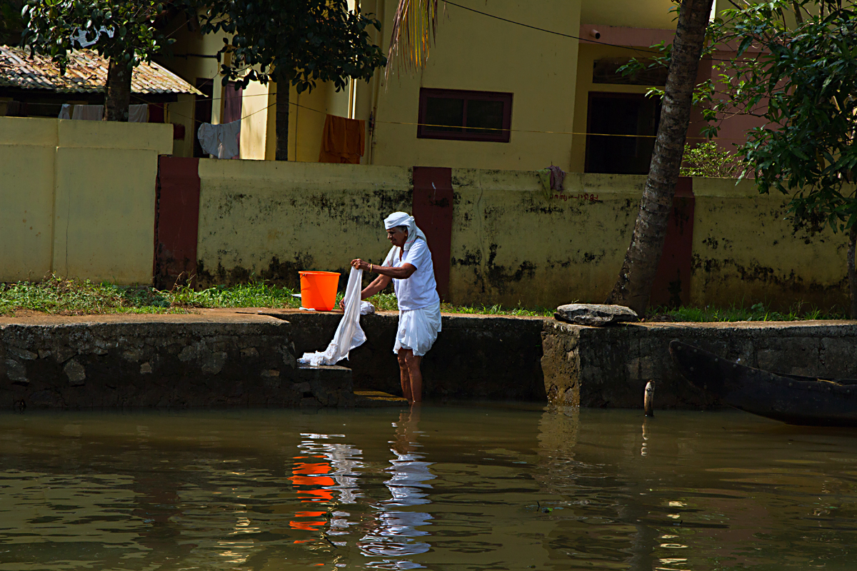 INDIEN Menschen Leben am Fluss FINEST-onTour 8365.jpg
