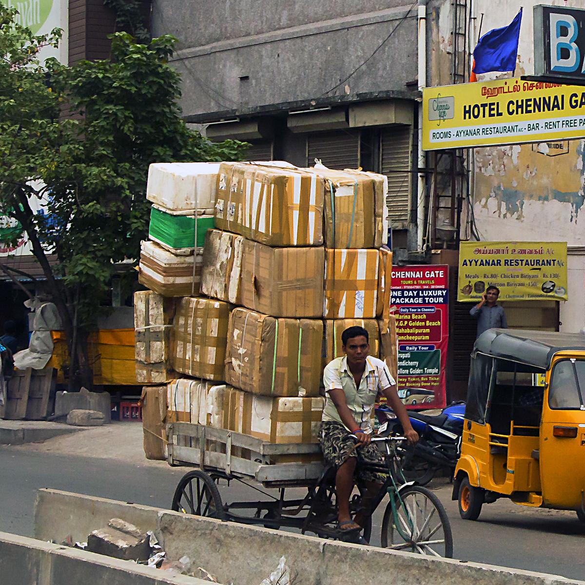 INDIEN Chennai Menschen Tempel FINEST-onTour 7150.jpg