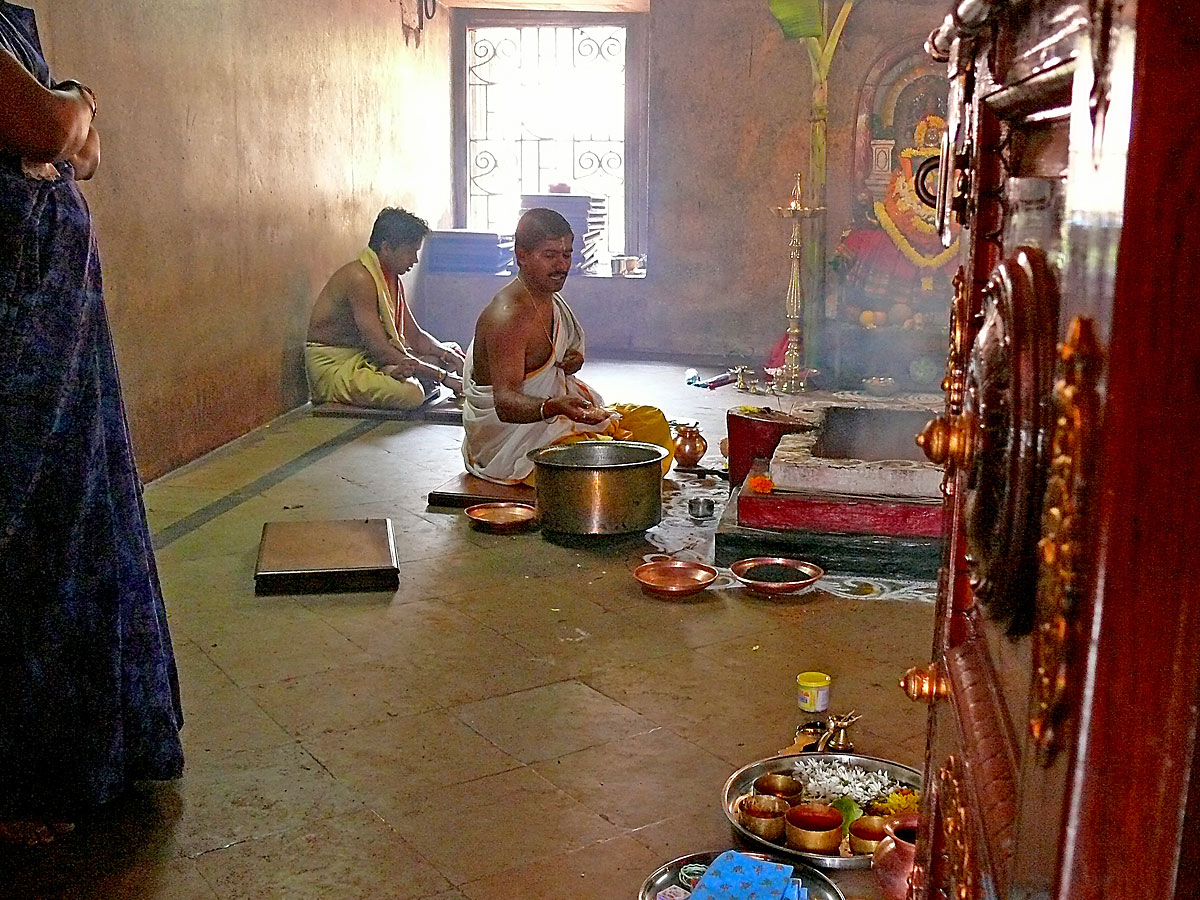 INDIEN GOA Menschen Tempel FINEST-onTourP1040033.jpg