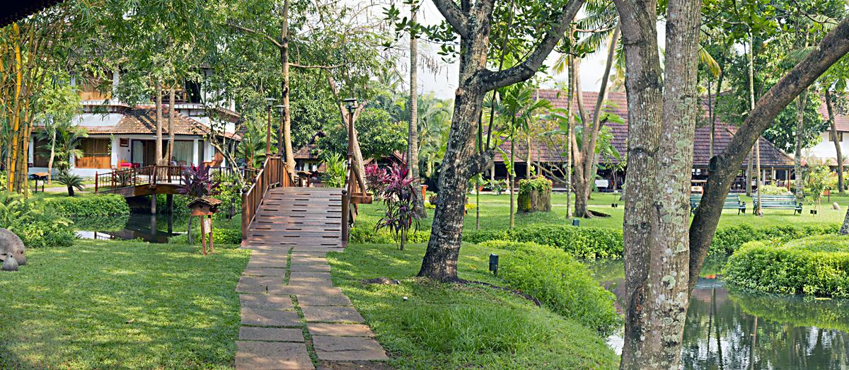 INDIEN Hotel  Kumarakom Lake Resort FINEST-onTour 1.jpg
