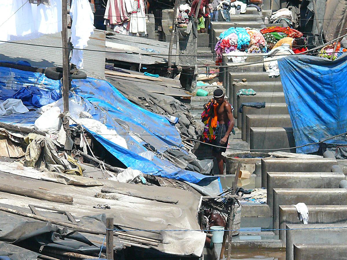 INDIEN MUMBAI Menschen Wohnen FINEST-onTour P1030418.jpg