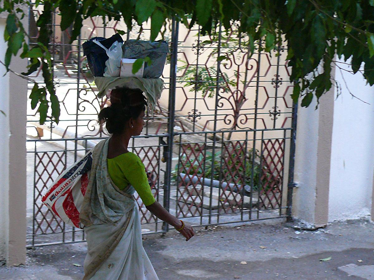 INDIEN MUMBAI Menschen Wohnen FINEST-onTour P1030346.jpg