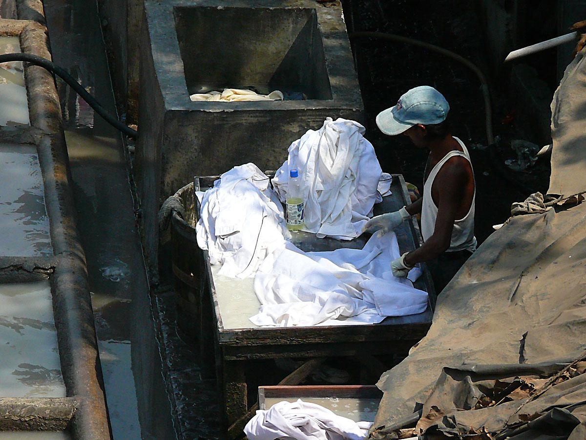 INDIEN MUMBAI Menschen Wohnen FINEST-onTour P1030415.jpg